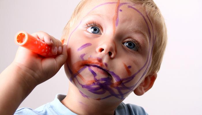 10 sposobów, w jakie dzieciaki niszczą rzeczy