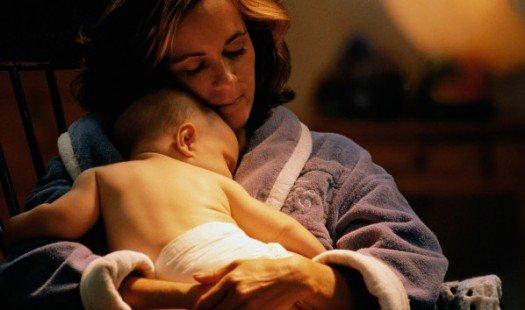 120910112738-mama-śpiąca-niemowlę-niemowlę-noc-historia-top-525 × 310