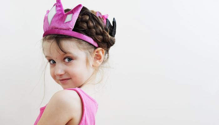 preschooler-in-crown