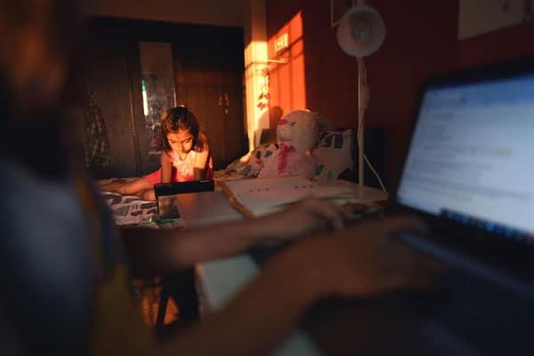 Zdrowie psychiczne naszych dzieci cierpi bez ich szkoły i nauczycieli