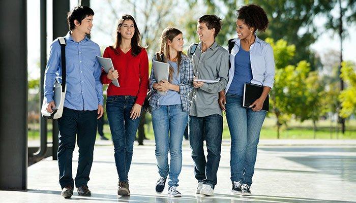 5 rzeczy-które-musisz-wiedzieć-od-asystenta-nauczyciela-zanim-Twój-nastolatek-pójdzie-na-studia