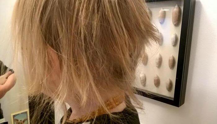 Niewinny błąd rodzicielski i niefortunna fryzura
