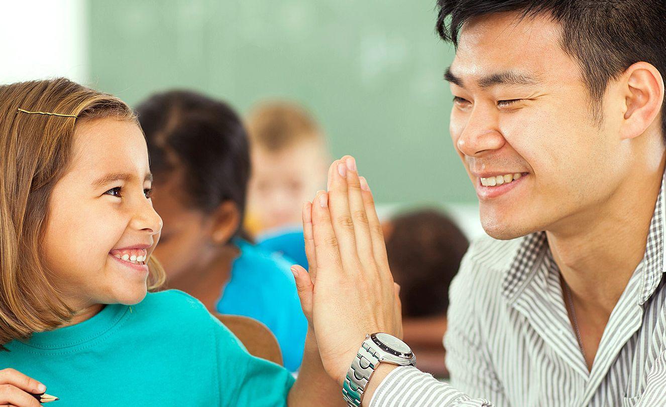 jak faktycznie-zrobić-gigantyczną-różnicę-podczas-tygodnia-uznania-nauczyciela