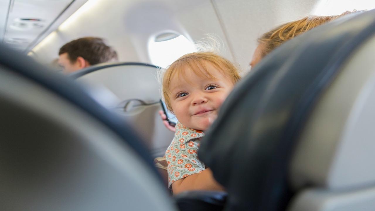 Czy samoloty potrzebują stref wolnych dla dzieci?