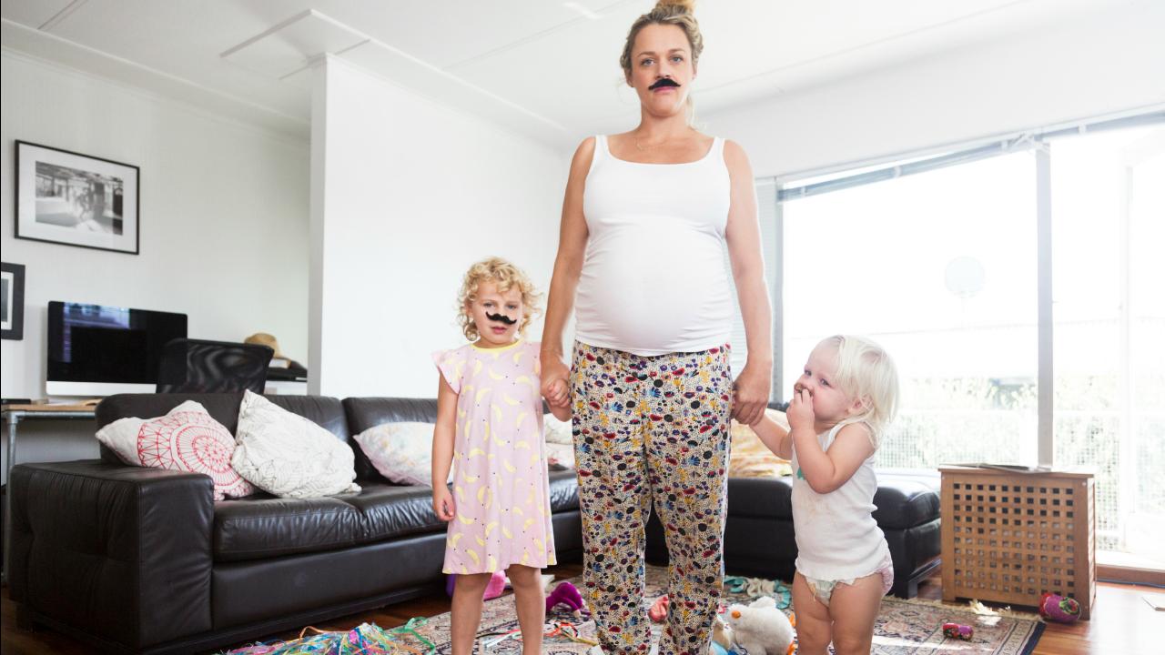 pozostające w domu matki nie są pokojówkami