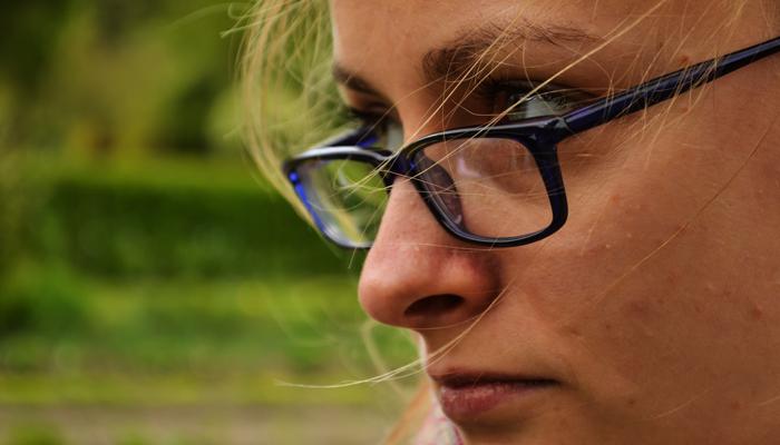 wredna twarz kobiety
