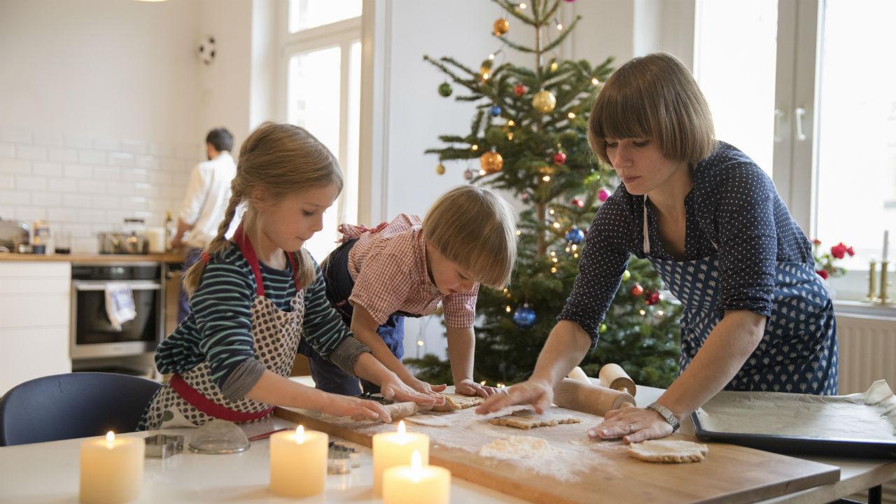 Newsflash: Moms to te, które tworzą magię świąt (a my jesteśmy cholernie wyczerpani)