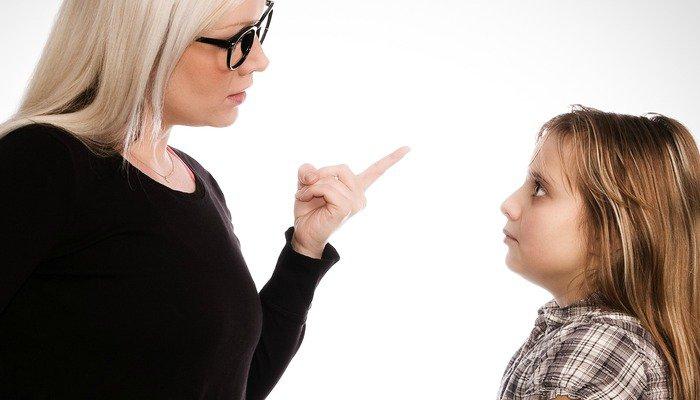Odmawiam tolerowania pogawędek, a moje dzieci to wiedzą