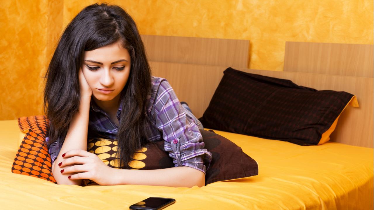 Smartfony przygnębiają nasze nastolatki