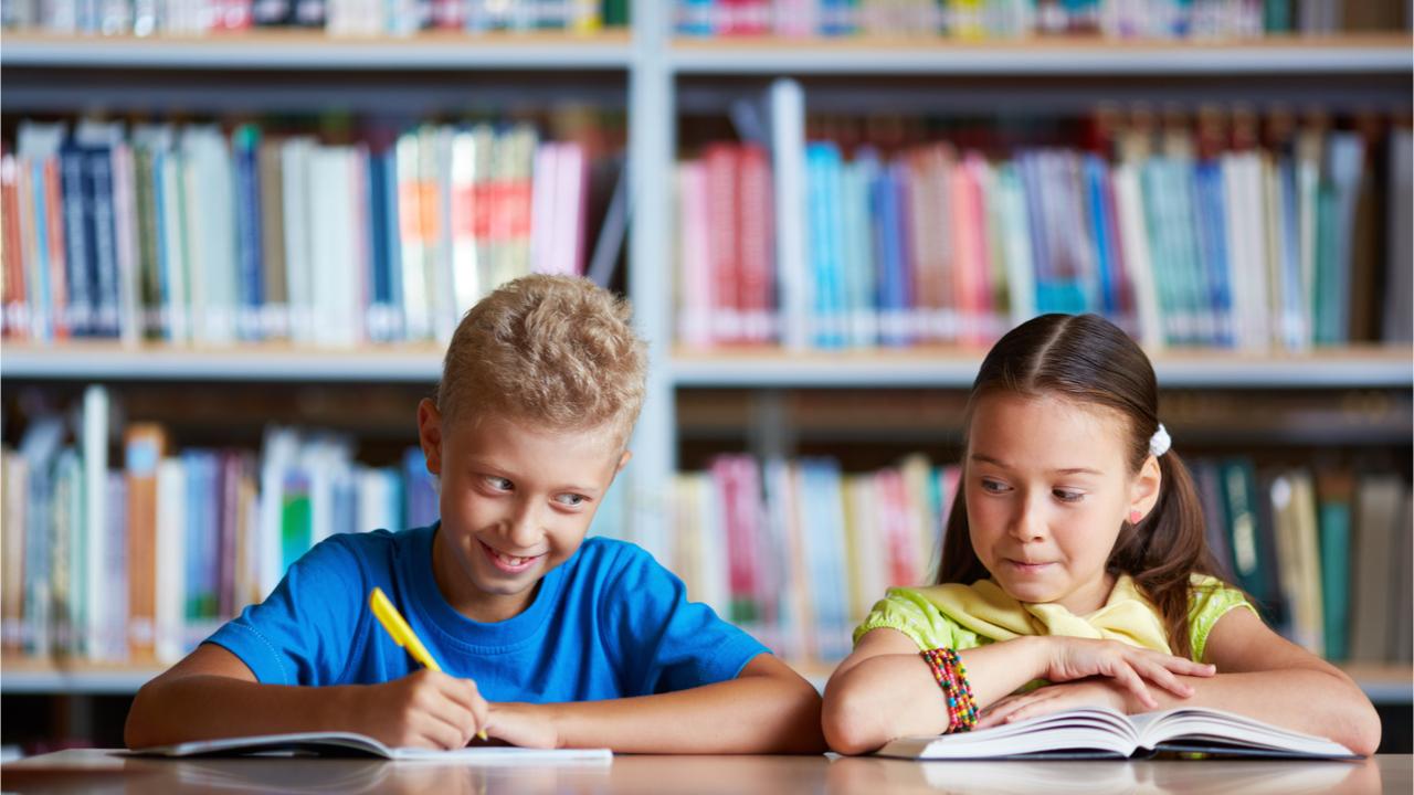 """Więcej niż """"dobrze"""": 21 pytań, które zachęcą dzieci do otwarcia się na dzień szkolny"""